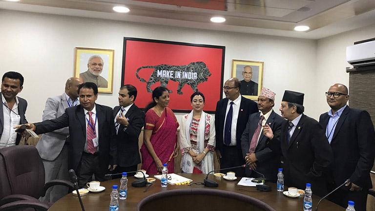 एफएनसीसीआई प्रतिनिधिमण्डल र भारतीय वाणिज्य राज्यमन्त्री बीच भेटवार्ता बढ्दो व्यापार घाटा कम गर्न सहयोगका लागि आग्रह (२०७४/५/९)